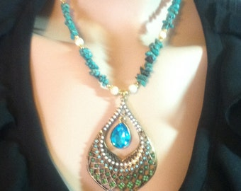 Turquoise Magnesite and Mother of Pearl Necklace