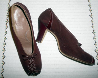1940s Vintage Shoes Fabulous Deep Burgundy Peep Toe Pumps  10  inside measurement Nice Condition in Suede & Leather Nice Detail