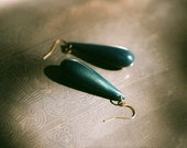 Vintage lucite glittery teal teardrop earrings