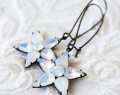 Stunning Star Flower Earrings, vintage jewel, opal glass