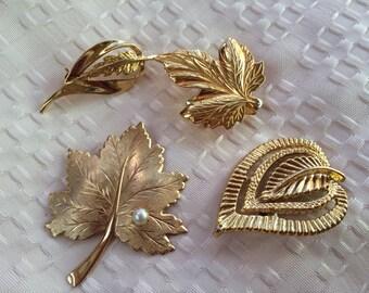 4 Vintage Goldtone Leaf Leaves Pins Scarf Holder