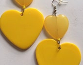 BEE bumblebee SUNNY YELLOW heart dangle bead light earring summer fab spring love lovers diva large big