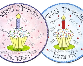 11 inch Personalized Birthday Plate - Swirly Frosting Cupcake