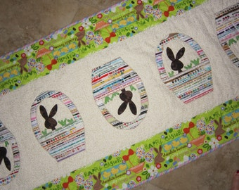 BUNNIES AND BASKETS Selvage Easter Quilt Pattern from Quilts by Elena Selvages