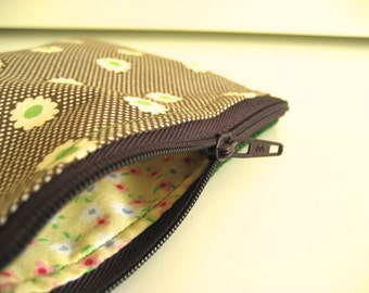 Coin purse Brown and cream spot with green flowers and green wool back, lined, yellow floral print