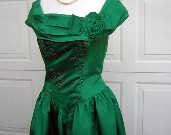 Green Taffeta Party Dress Swishy Vintage 80s - Boned Bodice Sparkle & Built in Crinoline Petticoat - Size 10