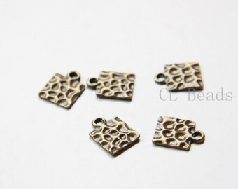 20pcs Antique Brass Tone Base Metal Textured Tags-Square 14x11mm (9315Y-C-361)
