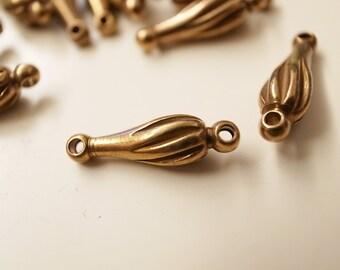 20 pieces of vintage solid raw brass swirl teardrop shape bead 16x5mm