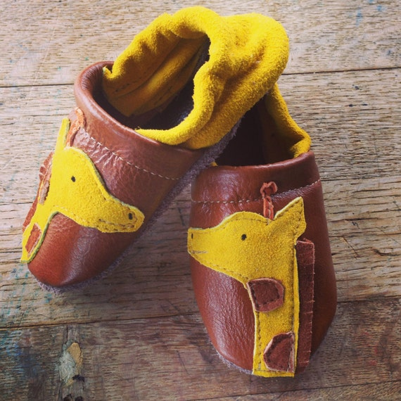 Giraffe Soft Soled Leather Shoes Baby pick your size 0-3m,  3-9m, 6-12m, 12-18m