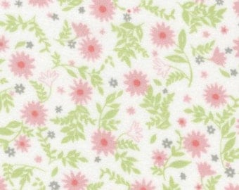 Cozy Cotton Flannel in Pink White Green Daisy Flannel Fabric for Robert Kaufman - 1 yard