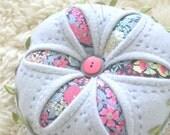 Winter Daisy ~ pincushion PDF pattern