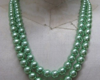 Green Pearl Two Strand Necklace Vintage