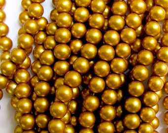 60 Gold Glass Pearls 8 mm