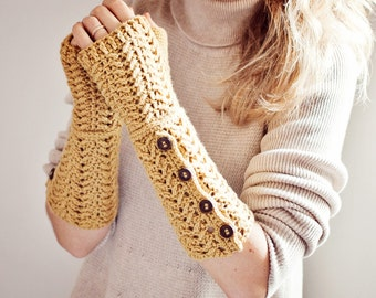 Crochet PATTERN - Buttoned Fingerless Gloves