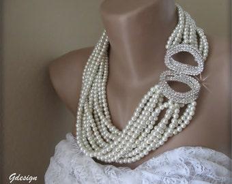 Bridal Wedding necklace. Chunky layered Wedding ivory pearl necklace, rhinestone closure