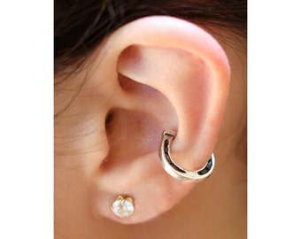Horseshoe Ear Cuff - Horseshoe Jewelry - Horseshoe Earring - Good Luck Horseshoe Ear Cuff - Silver Horseshoe - Cartilage Cuff - Helix Cuff