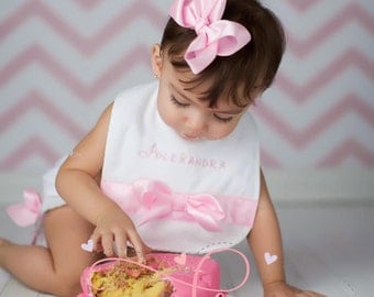 Please make a birthday bib to match my baby's birthday outfit! Perfect for protecting her bday shirt AND for cake smash!