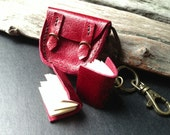Keychain 2 MiniBooks in a little Saddlebags Red color leather.
