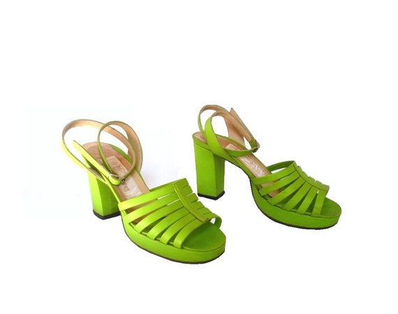 VICTORINE French Vintage 70s Green Leather High Heels Straps Shoes