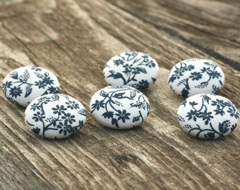 Fabric Buttons - Blue Flowers On White - 6 Medium Natural Blue Floral Wood Forest - Fabric Covered Buttons