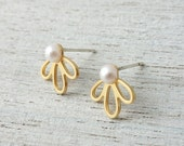 Small Lola Earrings, wedding bridal pearl minimalist posts, woodland flower studs