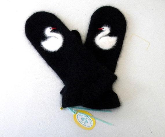 Swan's nest mittens
