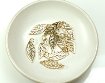 LEAF charm Natural Bronze shiny finish 20mm with jump ring - 2 pcs.