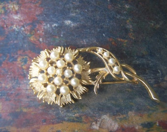 Vintage Jewelry Large Goldtone Sunflower Brooch with a center of perfect cream glass based faux pearls Wedding brooch