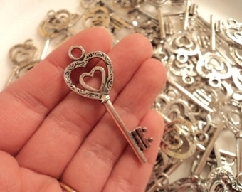 Key with heart Charm - Set of 3 - #Key 104