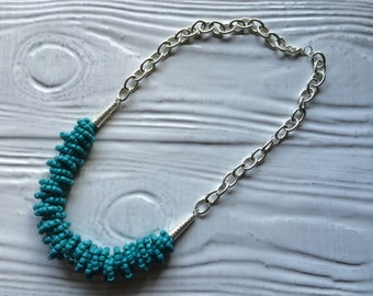 teal beaded necklace with chunky silver chain - N0083