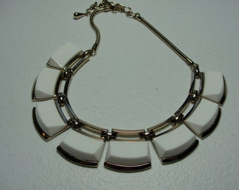 "Vintage Monet lovely white 16"" necklace"