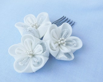 White Silver Blossom, Silk Flowers, Hair Accessory, Hair Comb, Japanese, Silver Metallic,  Tsumami Kanzashi Silk Flowers Wedding Bridal