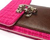 iPhone 6 / 7 / 7 Plus wallet - hot pink vintage wool