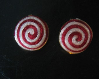 Vintage 50s 60s RED SWIRL Earrings 1950s Clip