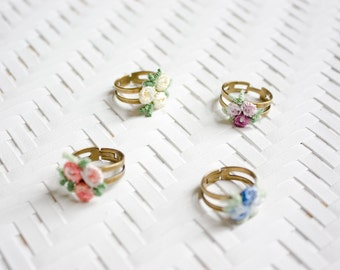 Lace ring - Flowerchild - Yellow, purple, coral or blue lace on bronze ring