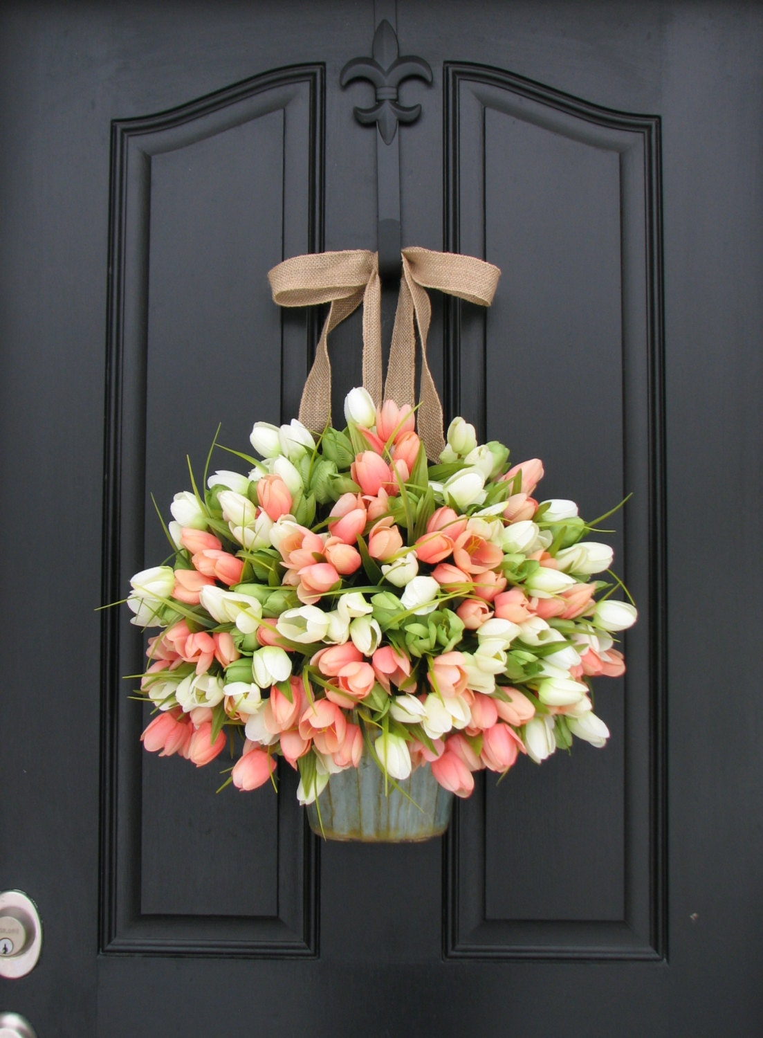 Tulips farmhouse door wreaths tulips mother 39 s day by Spring flower arrangements for front door