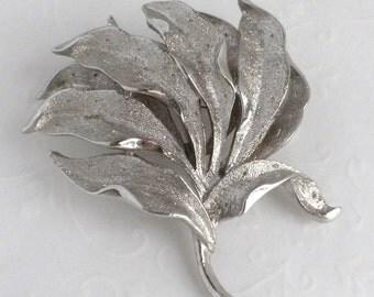 Coro Leaf Brooch - Leaves brooch - Vintage Silver Tone Pin