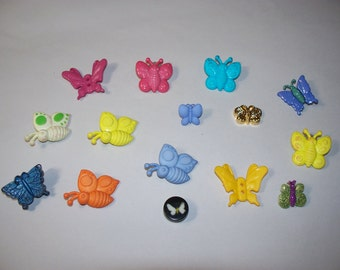15 Butterfly Buttons, Lot 2488   (Free US Shipping)