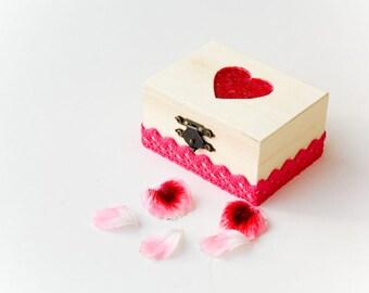 Heart Wedding Ring Bearer Box, Pillow Alternative, Shabby Chic Rustic Eco