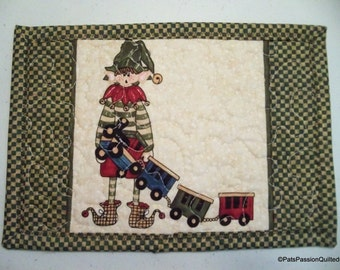 Quilted Christmas Mini Place Mat, Mug Rug, Snack Mat, Elf Wooden Train