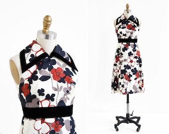 vintage 1960s dress / 60s dress / Backless Floral Mod Collar Dress