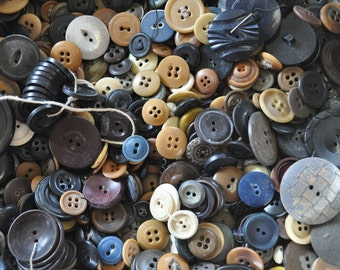 2 pounds of Primitive Buttons in a Shabby Tin - Wonderful for Prim Crafts! - Vintage Buttons - Plastic - Vegetable Ivory -
