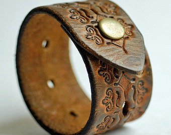 "8"" long... leather bracelet blank...  T 17"