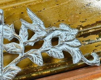 SHABBY CHIC...  vintage wrought iron wall hanger...  hummingbird...  architectural elements... Home Decor...  Laf T12