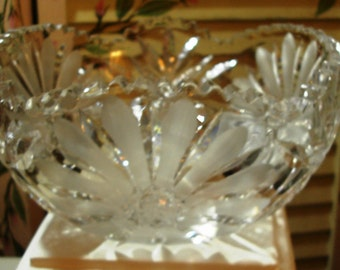 STUNNING and SO ELEGANT - Beautiful Vintage Cut Crystal Large Round Bowl- 1950 Era (Credit Cards Accepted)