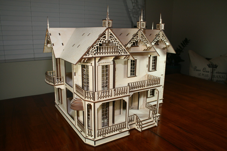 Victorian Dollhouse Mansion