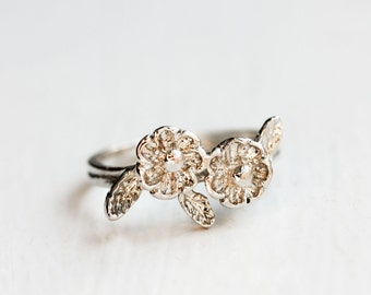 Flower Ring Silver, Bouquet Ring, Silver Flower Ring, Flower Ring, Flower Band, Silver Band Ring, Silver Ring, Size 7 Ring