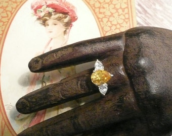 Stunning Sterling Silver Canary and CZ Ring Size 6