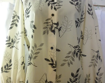 1970s Judy Bond Secretary Blouse, Ivory With Black Leaves, 10P, Small