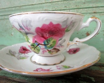 Vintage  Teacup and Saucer Shabby Pink Roses Gold gilt